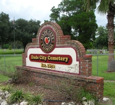 Dade City Cemetery Sign, just past the railroad tracks image. Click for full size.