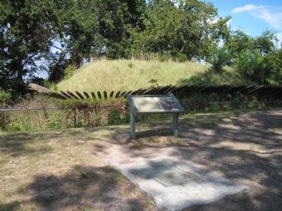 Markers at Redoubt No. 10 image. Click for full size.