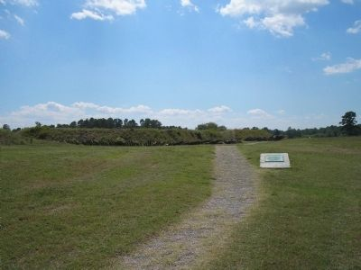 Marker on Yorktown Battlefield image. Click for full size.