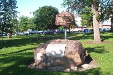 The Kennison Boulder Markers image. Click for full size.