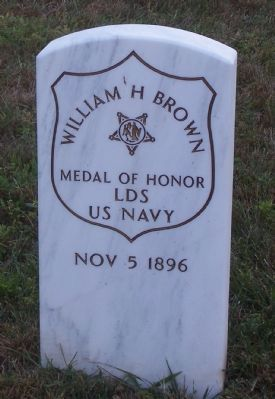 Grave marker for Medal of Honor recipient, Landsman William H. Brown, USN image. Click for full size.