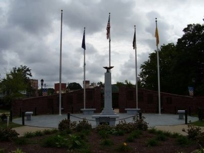 Nearby All Wars Memorial image. Click for full size.