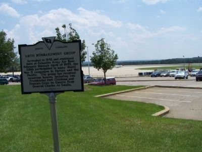319th Bomb Group Marker at Columbia Metropolitan Airport image. Click for full size.
