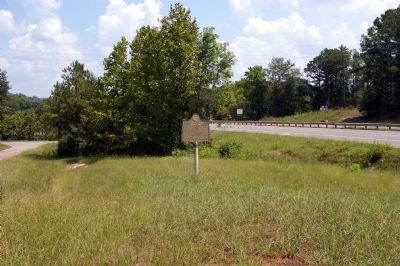 Federal Fort Marker looking south (US 41 to right; Ga 293 to left) image. Click for full size.