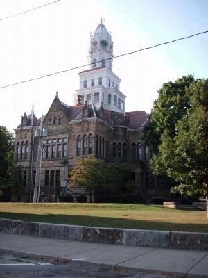 Another View of the Edgar County Court House, Paris, Illinois image. Click for full size.
