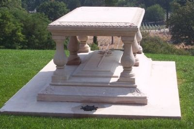 The grave of Pierre Charles L'Enfant image. Click for full size.
