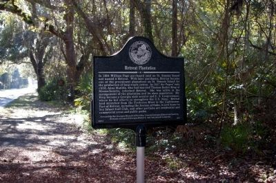 Retreat Plantation Marker on Kings Way (in background) image. Click for full size.