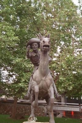 Older photo of the Pony Express Statue image. Click for full size.