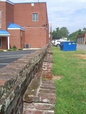 Another view of the brick wall image. Click for full size.