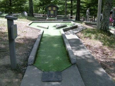 Fort Mountain State Park Miniature Golf image. Click for full size.