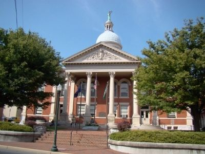 Augusta County Courthouse image. Click for full size.