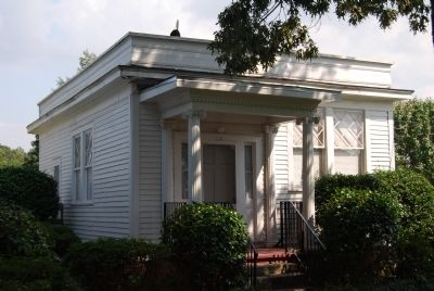 Mauldin's Law Office - Also Greek Revival Style image. Click for full size.