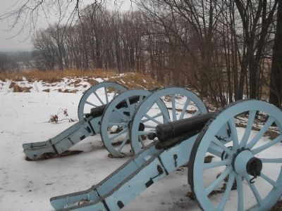 Artillery at Redoubt 3 image. Click for full size.