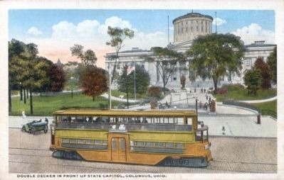 Double Decker in Front of State Capitol, Columbus, Ohio image. Click for full size.