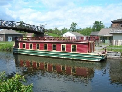 Canal Boat on the Erie Canal image. Click for full size.