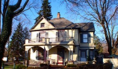 A home in the Annandale Historic District image. Click for full size.