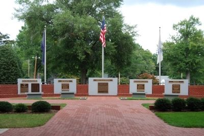 Presbyterian College Armed Forces Memorial image. Click for full size.