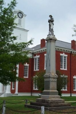 Stewart County CSA Soldiers Monument and Courthouse image. Click for full size.