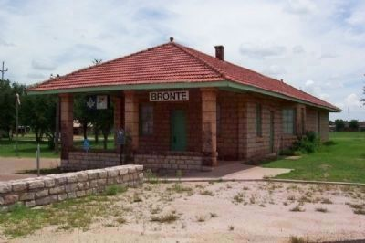 Bronte Depot and Marker image. Click for full size.