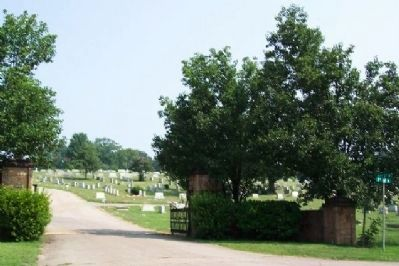 60th Street North Entrance to Forest Hill Cemetery image. Click for full size.