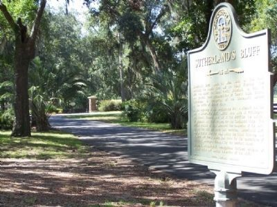 Sutherland's Bluff Marker at Shellman Bluff Dr. image. Click for full size.