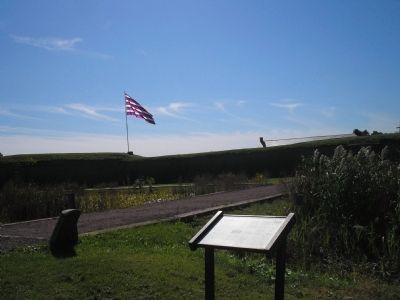 Marker at Fort Mifflin image. Click for full size.