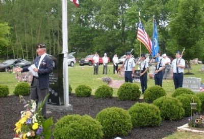 Alton Cemetery Veterans Monument Dedication Ceremony image. Click for full size.