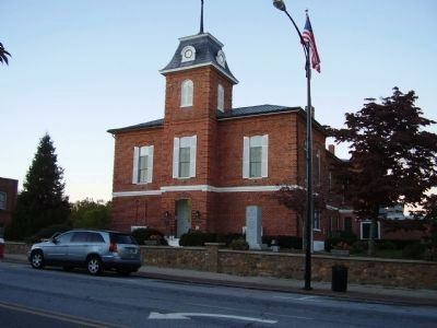 Transylvania County Courthouse image. Click for full size.