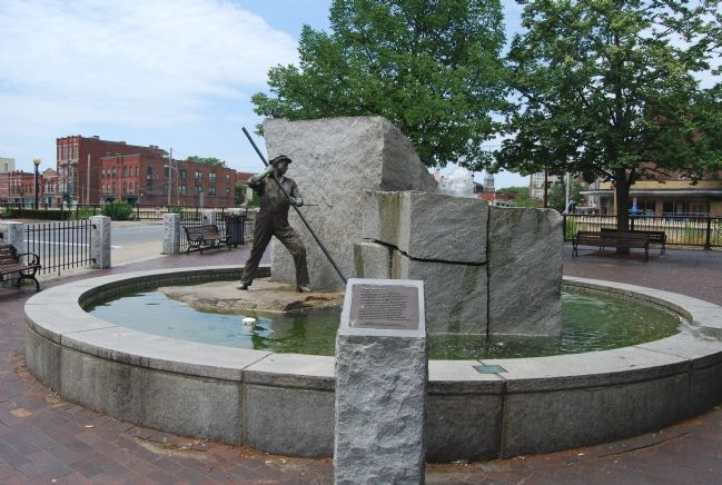 Marker, sculpture, and fountain on Kirk Street image. Click for full size.
