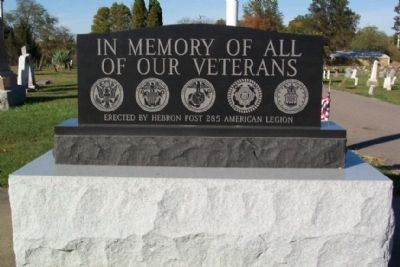 Hebron Veterans Memorial image. Click for full size.