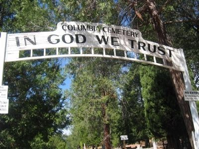 Entrance to the Columbia Cemetery image. Click for full size.