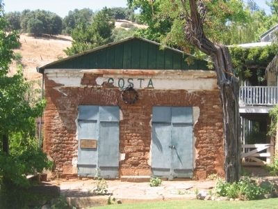The Costa Store image. Click for full size.
