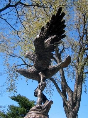 Rumson Veterans Monument </b>(Bronze Eagle) image. Click for full size.