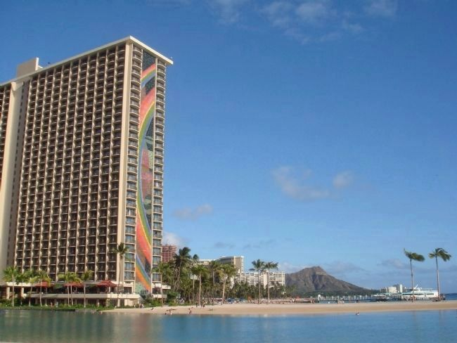 The Hilton Lagoon and the Rainbow Tower with Diamond Head in the Distance image. Click for full size.