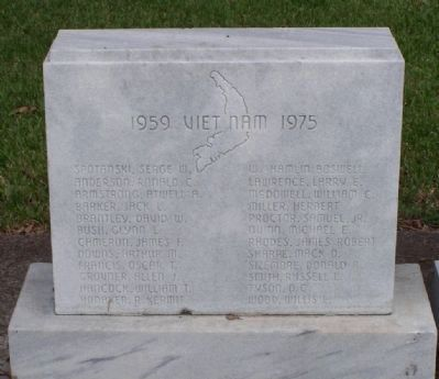 Glynn County War Memorial Marker - Vietnam Tablet image. Click for full size.