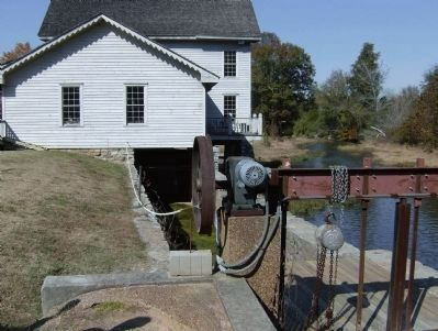 Lee and Gordon's Mill Race and Gate image. Click for full size.