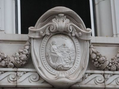 Artwork Above Front Entrance of Courthouse image. Click for full size.