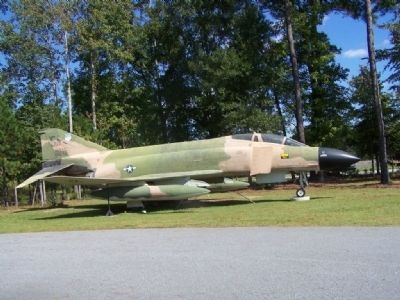 McDonnell F-4C Phantom image. Click for full size.