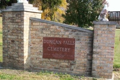 Duncan Falls Cemetery Entrance image. Click for full size.