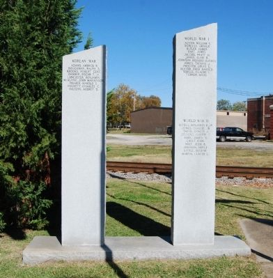 Korean War (Left) and World War I & II (Right) Monuments image. Click for full size.