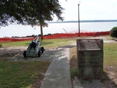Fort St. Simons Marker, southern tip waterfront image. Click for full size.