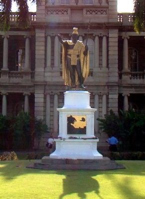 King Kamehameha I Monument image. Click for full size.