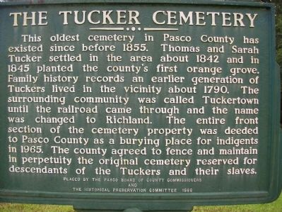 The Tucker Cemetery Marker image. Click for full size.