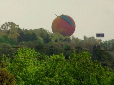 Peachoid water tower image. Click for full size.