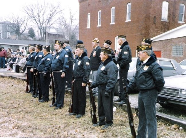 Veedersburg American Legion Post - - Honor Guard - - Nov. 11, 1991 image. Click for full size.