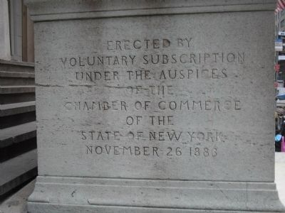 Side of Washington Statue image. Click for full size.