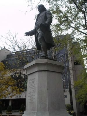 Benjamin Franklin Statue image. Click for full size.