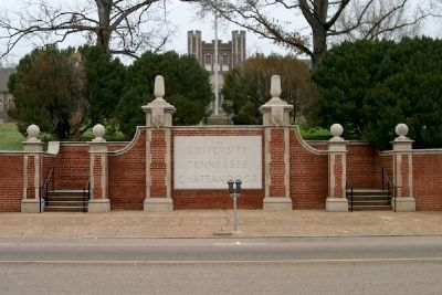 Entrance to The University of Tennessee at Chattanooga image. Click for full size.