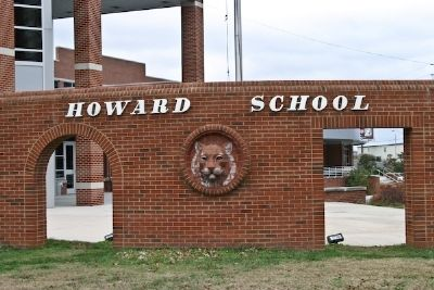 Chattanooga Howard School image. Click for full size.
