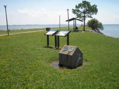 Marker in Monitor-Merrimac Overlook Park image. Click for full size.